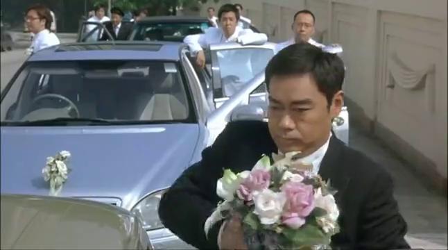 购物狂:两个富二代结婚,连新娘是谁都不确定,让医生远程指挥