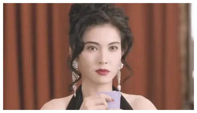 李婉华与大女儿近照,与妈妈同框宛如姐妹花,她和吴镇宇为何分手