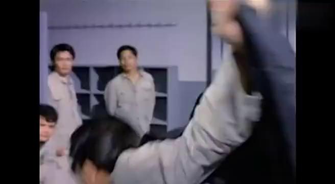男子监狱搞模仿秀,这才是模仿秀鼻祖你能听出几个人