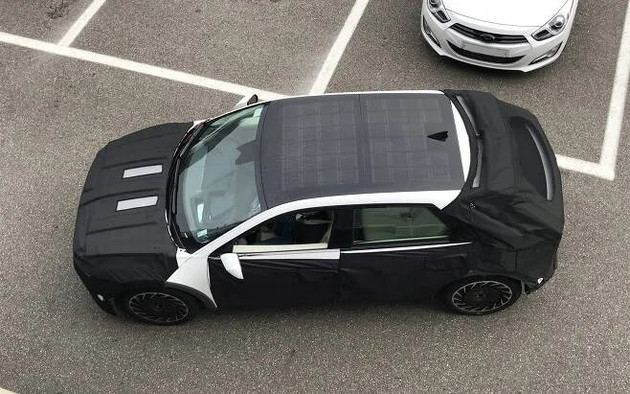 IONIQ 5最新谍照曝光!提供太阳能电池车顶