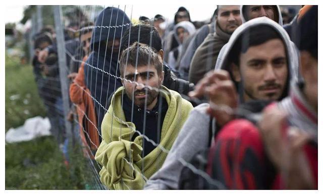 欧洲又将迎来一场灾难,难民准备冲击边境线,或包括大量新冠患者