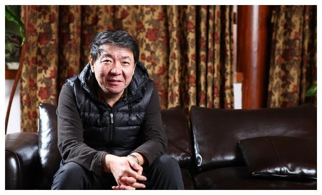 如郑晓龙导演这样,能在选角上尊重观众的导演,是我们敬佩的导演