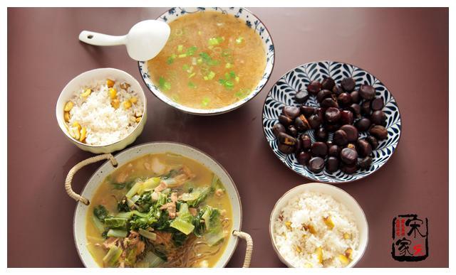 两口子午餐,简单1菜1汤,美味又精致,老公:吃的舒服不浪费