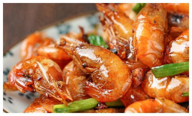 适合中秋家宴做的硬菜—油爆虾,餐馆好几十一盘,在家十分钟完成