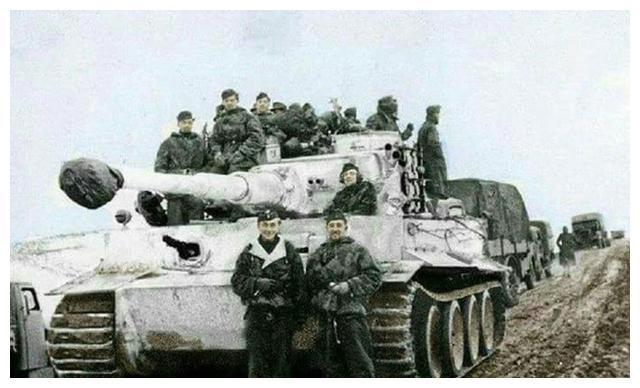 图说:从贝雷帽到苏式棉帽 为什么二战德军坦克兵只要一副耳机?