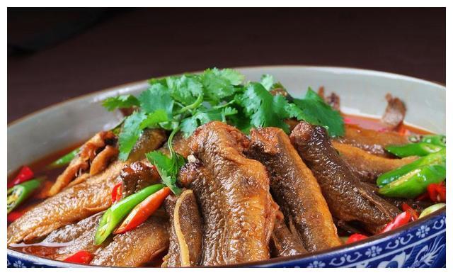 7月的泥鳅最肥美,做肉质鲜嫩无腥味,给孩子做来补身体最好