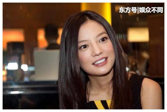 """赵薇""""女儿""""纪姿含近照,10岁就初显少女模样_娱乐频道_东方资讯"""