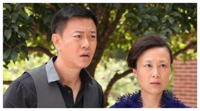 她是实力派演员吴玉芳,出道33年0绯闻,与丈夫一见钟情恩爱多年