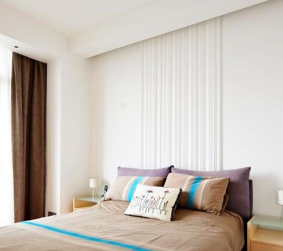 壁纸、壁布、乳胶漆,哪种墙面装饰材料更适合家用?