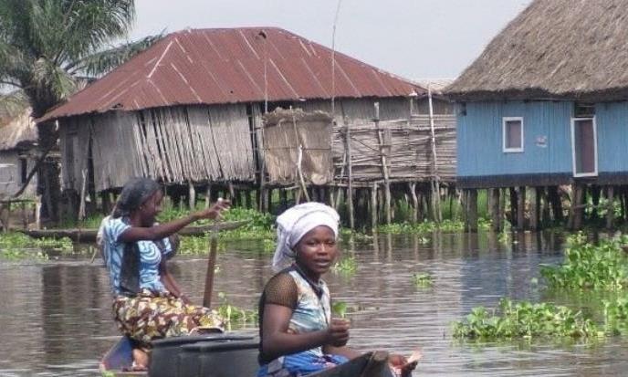 世上最大的水上村庄,不愁吃不愁喝,却愁上厕所