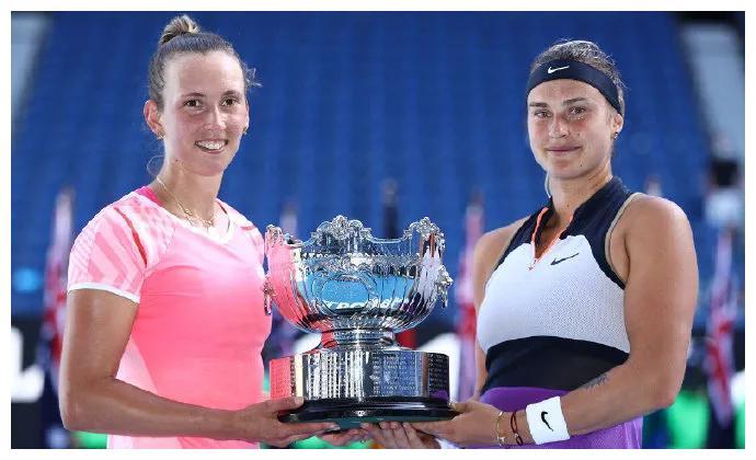 梅尔滕斯/萨巴伦卡获得澳网女双冠军