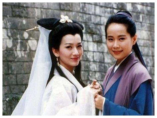 她才是导演一眼相中的许仙,因嫌片酬低拒绝出演,却成就了她