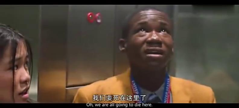 蜘蛛侠直播拽电梯,动作矫健!