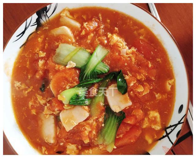 西红柿炒年糕,汁鲜味美,连汤汁都吃干净了