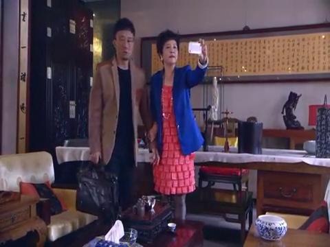 北川和继母有史以来第一次同桌吃饭,着可苦了阿琴和杨桃桃了