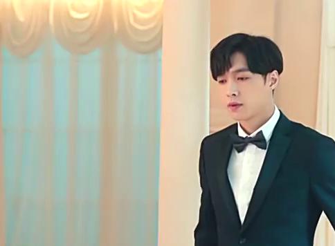吉恬恬邀请严小赖在婚礼上致词,不料他却说:有没有出场费啊