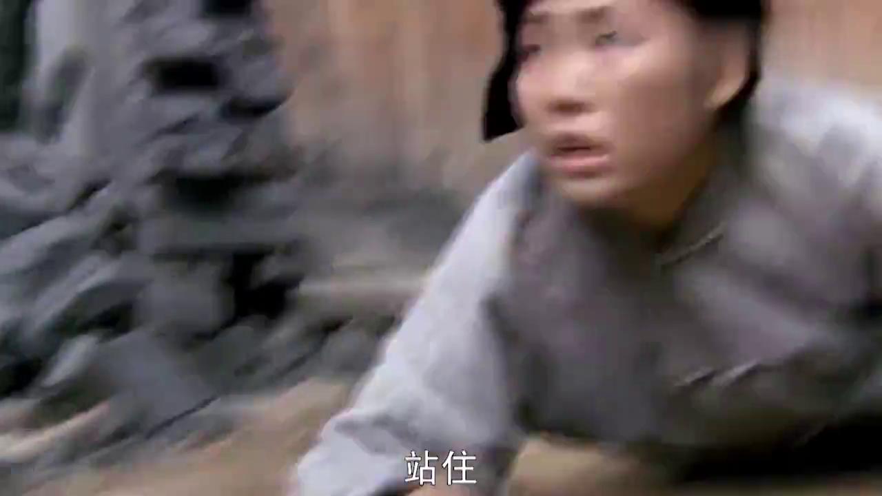 鬼子杀死妇女,惹怒武林高手,直接一个人杀光鬼子炸掉军火库!