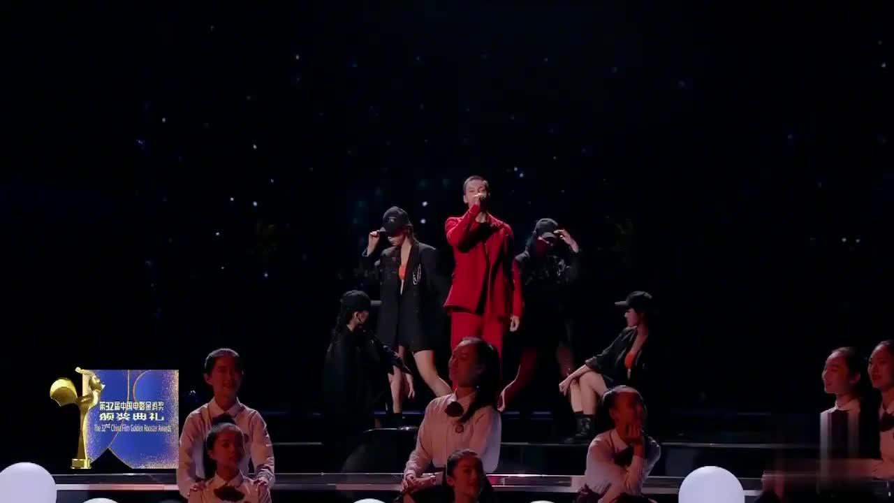 陈伟霆李易峰郑恺杜江合唱《夜空中最亮的星》,满满的荷尔蒙