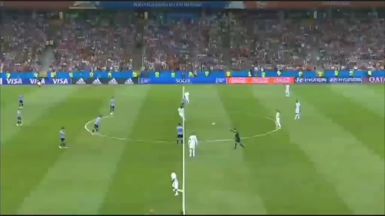 2018年世界杯,C罗对抗苏亚雷斯和卡瓦尼,乌拉圭2比1淘汰葡萄牙