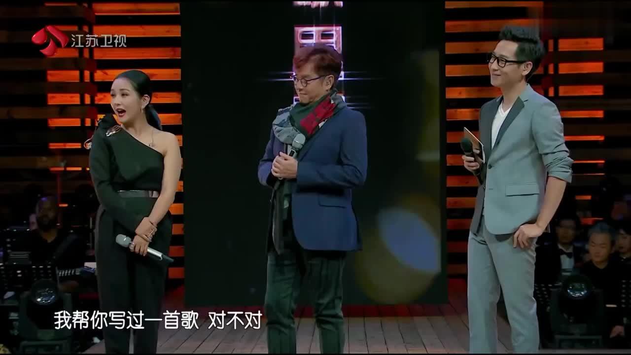 金曲捞:黄国伦帮谭咏麟写过歌,谭咏麟不会唱,现场翻车