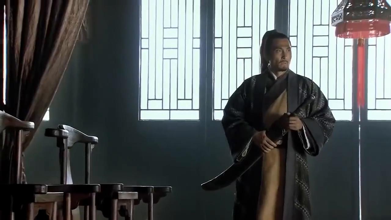 林冲擅闯白虎堂被判重罪,只因他的官职太小