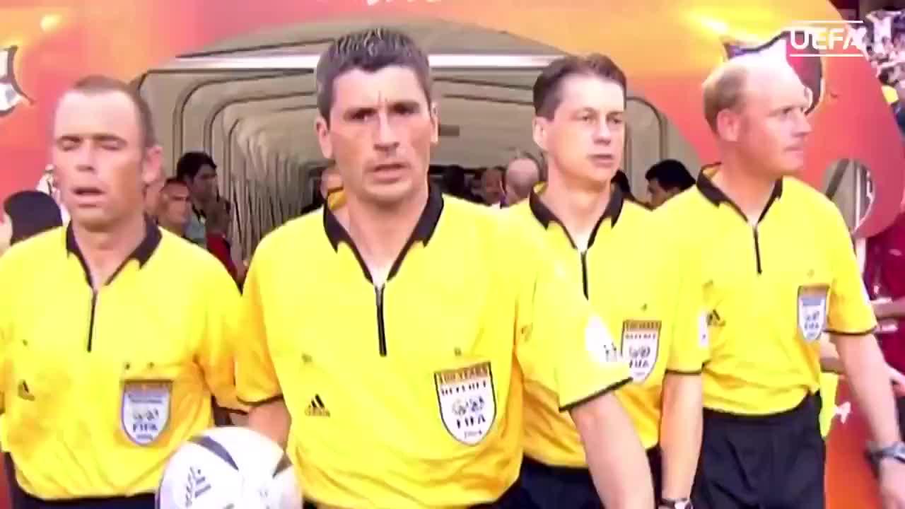 欧洲杯经典战役:齐祖补时双响 法国2-1绝杀英格兰