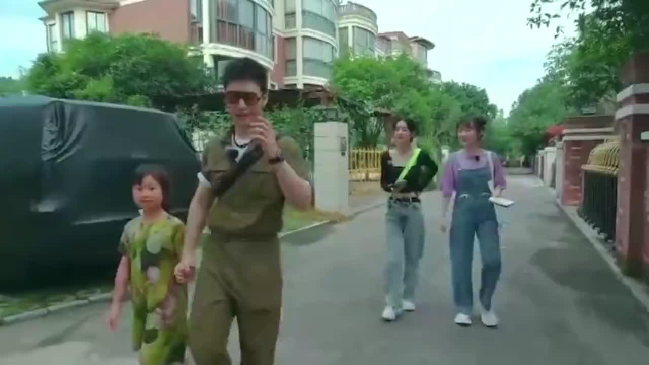 黄晓明问赵丽颖:想生二胎吗?接下来颖宝的回答,给足冯绍峰面子