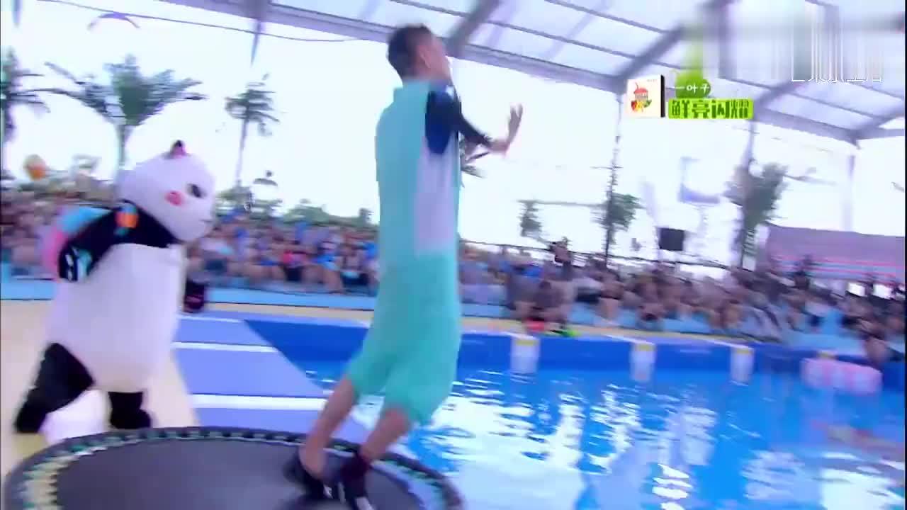 夏日甜心:张翰黄宗泽带美女霸气跳水,引全场欢呼,太帅了
