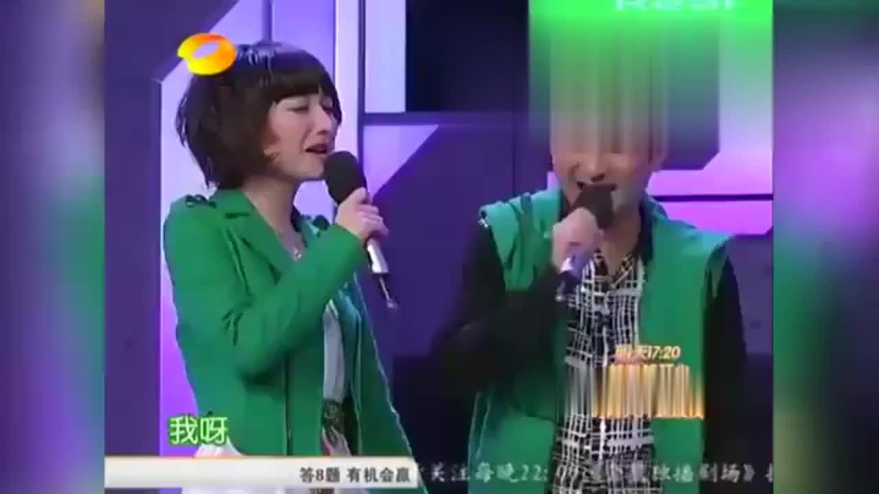 杨幂冯绍峰手牵手出场,何炅谢娜都看懵了,这两人张真好看