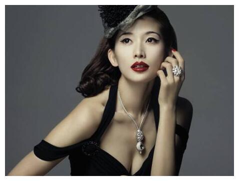 林志玲43岁生日眼睛红肿似核桃,言承旭未现身也没有送礼
