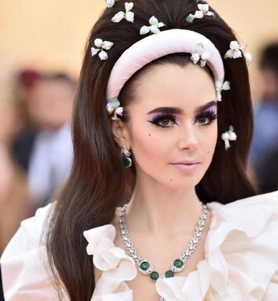 今年Met Gala活动在纽约博物馆举办 女明星搭配华丽珠宝参加