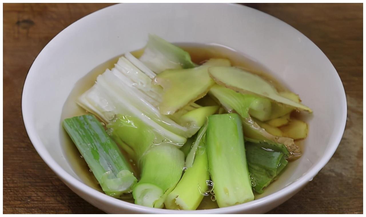 教你做椒盐香酥鱼块,外皮金黄酥脆,鱼肉入味不腥,比炖汤好吃