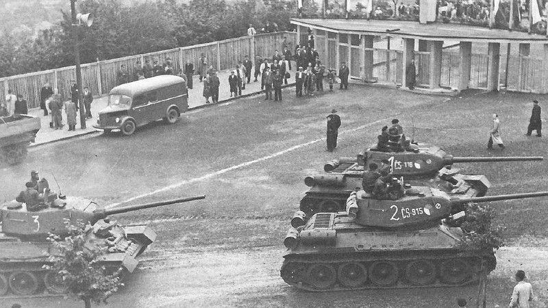 它们当年也是战场上的功臣:捷克斯洛伐克人民军T34/85坦克图集