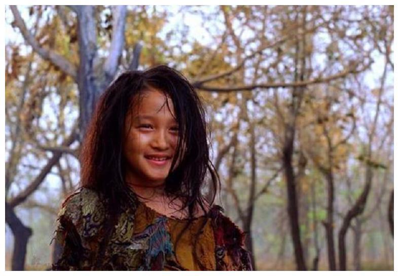 关晓彤的偶像剧人生,家庭出身好,获大导演力捧,跟顶流谈恋爱