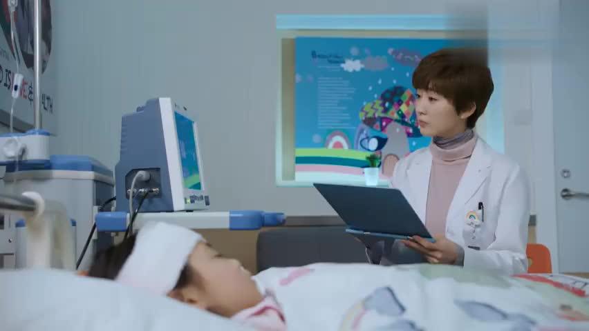 儿科医生:护士长见小唐不在,居然要美女去接受采访,美女都慌了