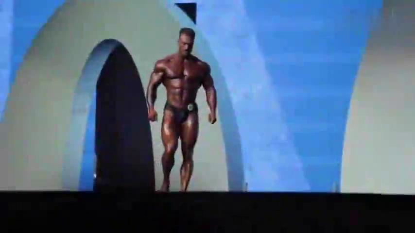 奥赛新科古典健美冠军ChrisBumstead的超强背部训练