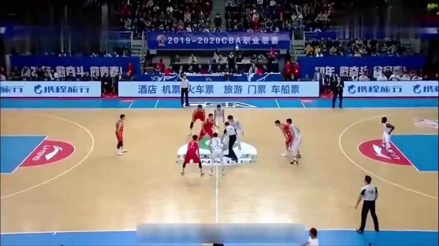王哲林恐怖砍分表演!面对八一队,王哲林砍下生涯最高分51分!