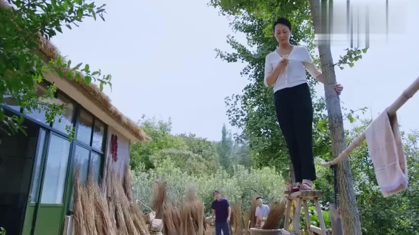遍地书香:陈三国不同意,村委会决定先不安装有线电视了