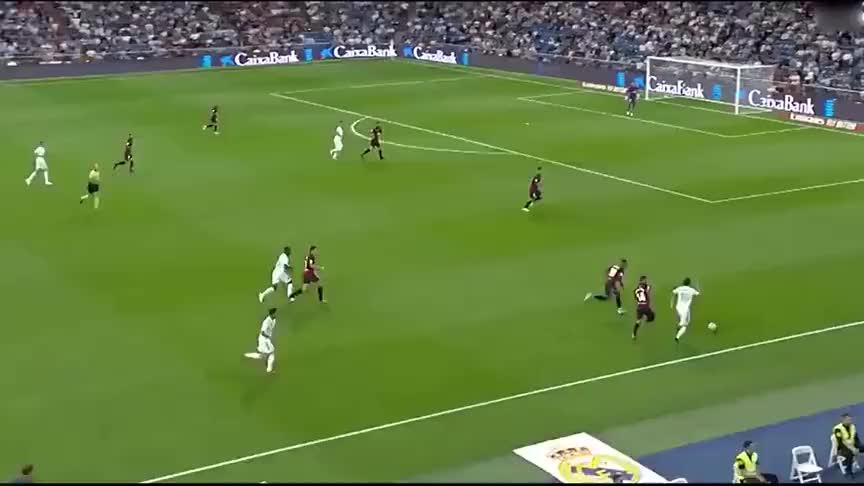 维尼修斯破门,罗德里格世界波,皇马2-0胜奥萨苏纳三连胜