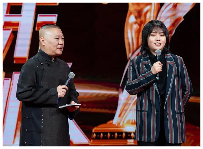 """秦霄贤上""""刘老根舞台"""",上台前后状态太反差,出演的是本人吧"""