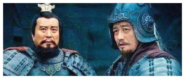 同样是四世三公,一流人才都去投奔袁绍,为什么不投嫡出的袁术?