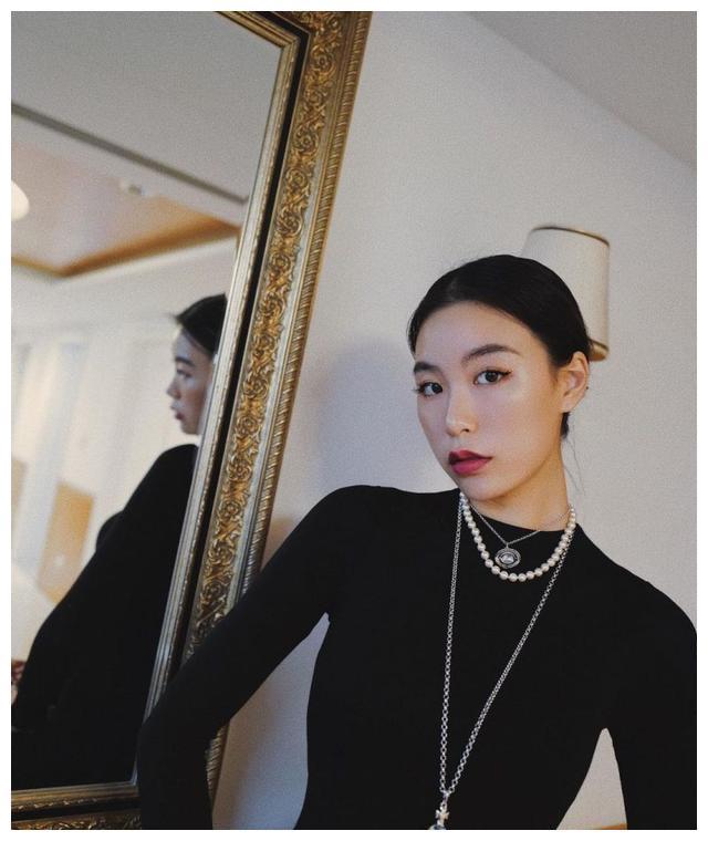 高以翔女友不被人理解,10月19日作出强势回应:不想看就不要看