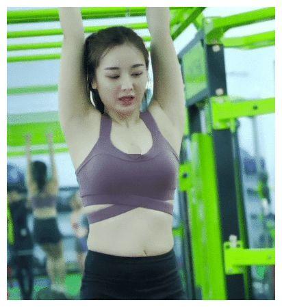 果然健身房里的女生就是不一样!让人动力十足