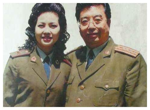 """李天一入狱3天后,梦鸽与金铁霖关系被""""揭露"""",李双江住进医院"""