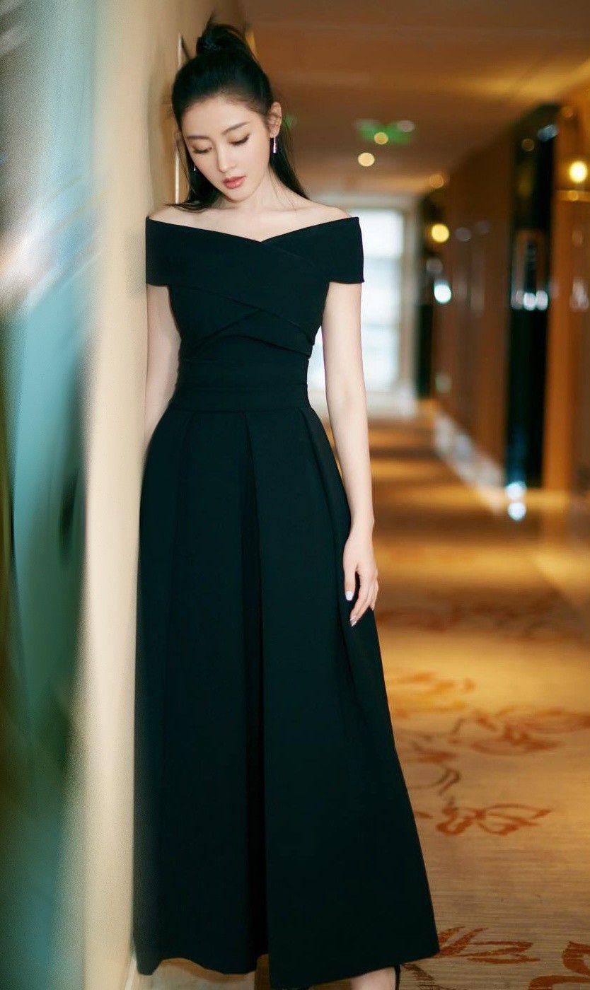 女神张天爱,身材窈窕,混血儿的身材,又酷又美真是绝了!