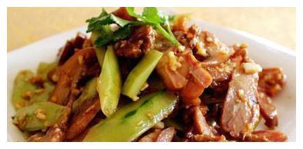 美食推荐:红烧肉、干煸黄豆芽、可乐栗子排骨、五花肉拌黄瓜做法