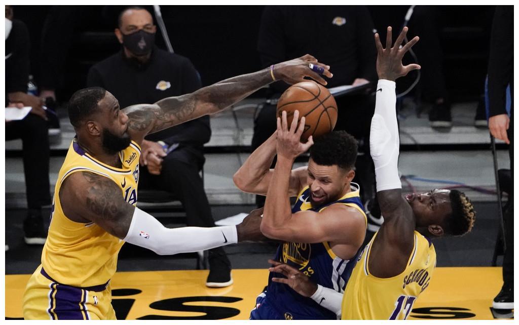 NBA比分:詹姆斯19分库里26+7 勇士19分逆转湖人止2连败