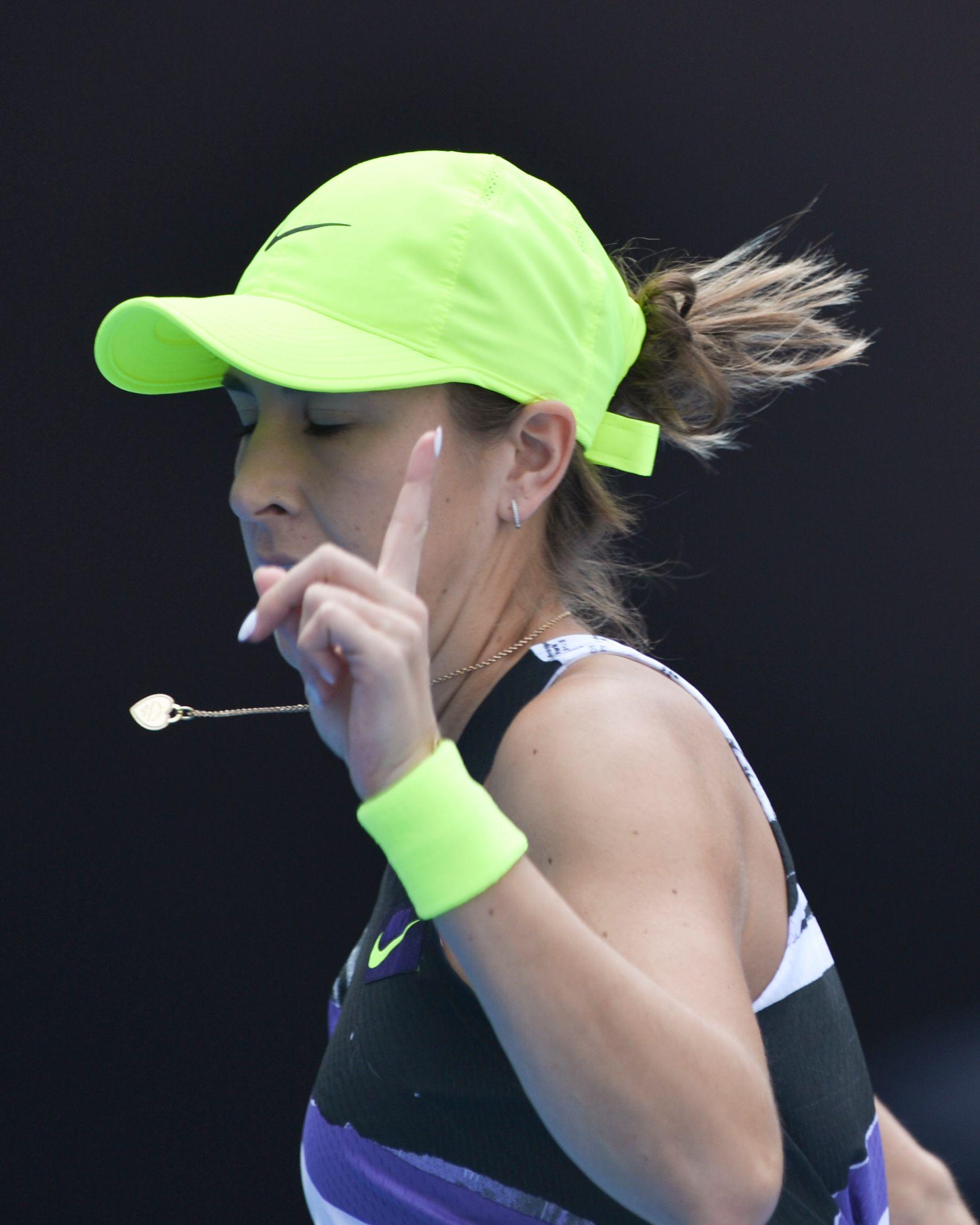 网球——中网:本西奇胜谢淑薇