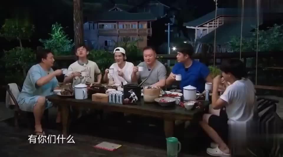 黄磊爆料小时与涛涛长得玉树临风,陈赫瞬间不乐意了:难道我不是
