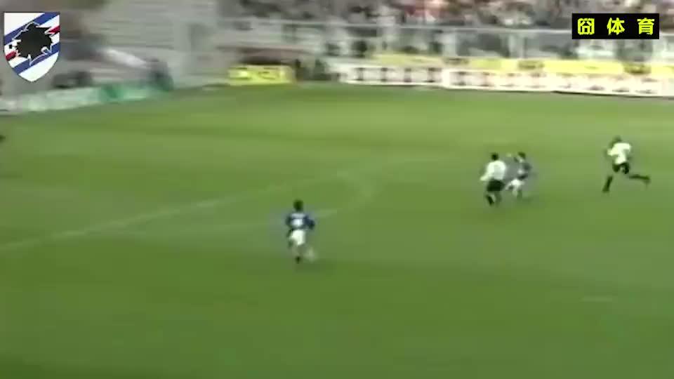 阿根廷小毛驴奥特加不停球挑射直挂死角,球在空中就跑去庆祝了!